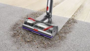 Dyson V10 vs V11 - Multi-surface cleaning